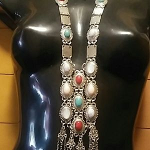 Georgeous Cleopatra looking silver necklace